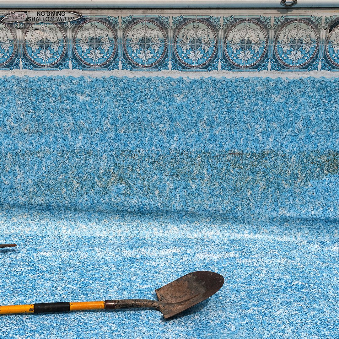 Swim pool liners dicalite dicaperl minerals for Vermiculite swimming pool base