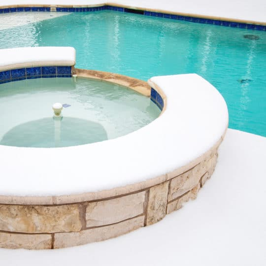 Pool Filtration: Diatomaceous Earth's Role